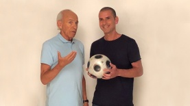 """אייל קיציס ומוטל'ה שפיגלר בקמפיין לפרטנר TV, צילום: יח""""צ"""