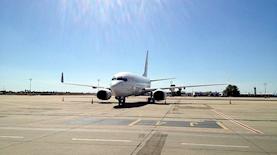 מטוס בשדה התעופה בן גוריון, צילום: גיא ברנע מתוך אתר פיקיויקי
