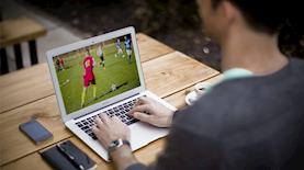 צפייה במשחק כדורגל, צילום: pixabay